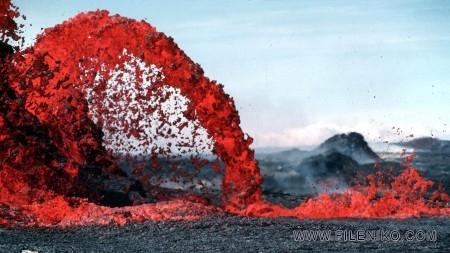 آتشفشان و گدازه ها، نمادی از سیاره خشمگین